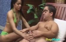 Bootylicious Latina riding midget cock
